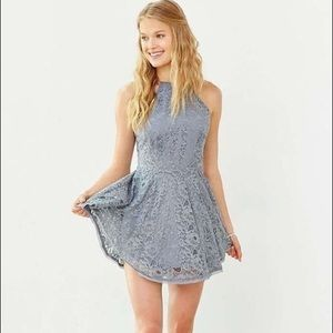 SIZE SMALL LACE HIGH NECK DRESS URBAN OUTFITTERS